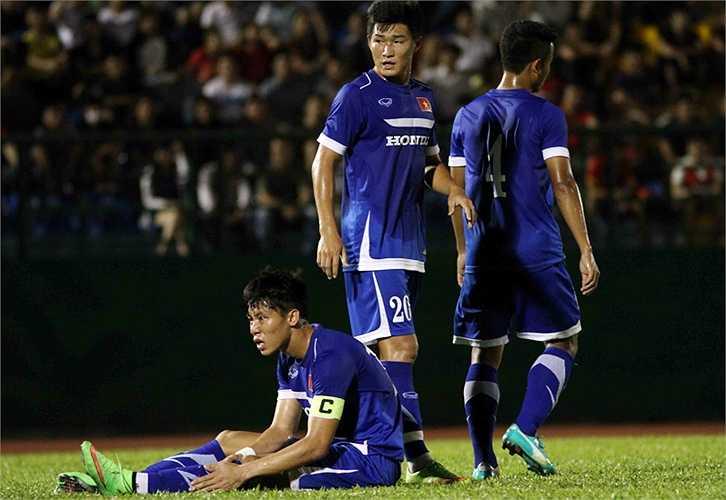 Nỗi thất vọng của hàng thủ U23 Việt Nam khi để thủng lưới. (Ảnh: VSI)