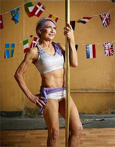 Múa cột cũng là một xu hướng luyện tập thể thao mới nổi, đã xuất hiện ở nhiều phòng tập khắp nơi trên thế giới dành cho cả nam và nữ ở mọi lứa tuổi.