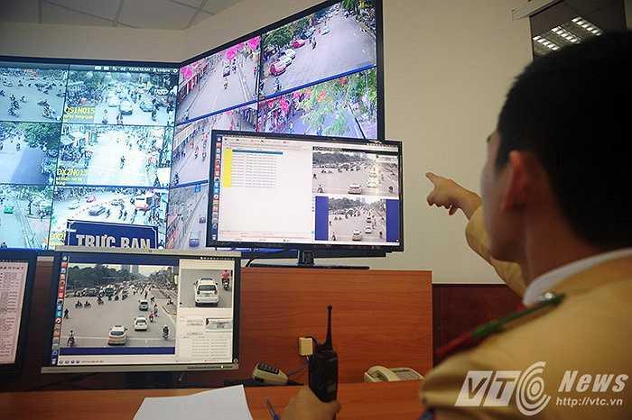 Hình ảnh vi phạm giao thông được camera tự động ghi hình, chuyển dữ liệu về Trung tâm điều khiển giao thông Hà Nội.