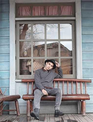 Sau vai diễn đầu tay Khôi trong 'Hotboy nổi loạn' của đạo diễn Vũ Ngọc Đãng, Hồ Vĩnh Khoa không nhận bất cứ thêm bộ phim nào để tìm vai diễn khác lạ hơn.