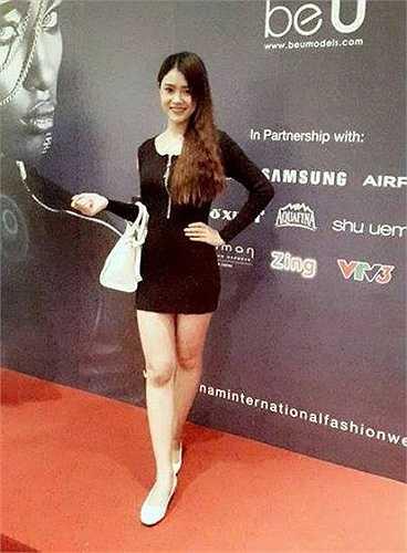 Thần tượng của cô bạn xinh đẹp, tài năng này là siêu mẫu Thanh Hằng.