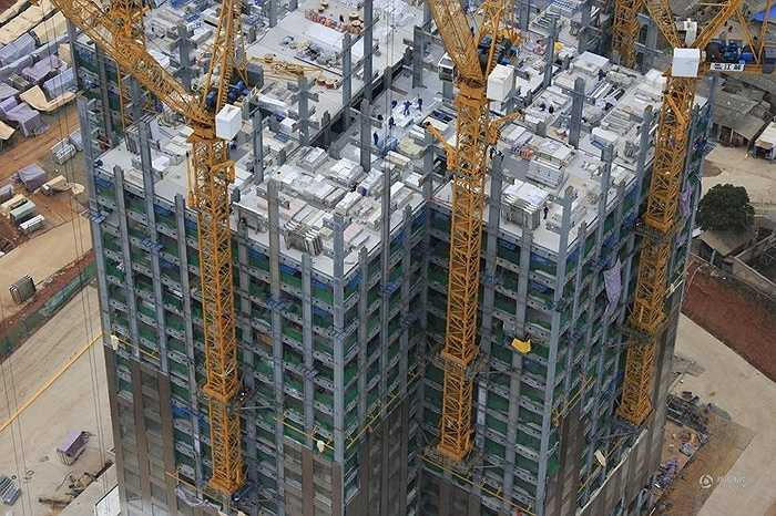 Ngôi nhà có kết cấu trụ bê tông, 93% vật liệu được làm sẵn