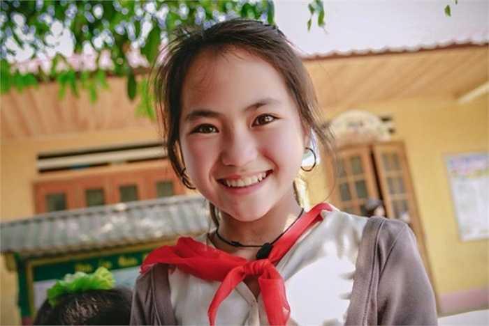 Nhiếp ảnh gia Ngọc Bích cho biết cô bé là người dân tộc H'Mông