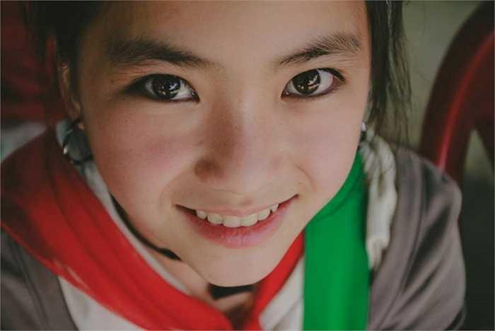 Dù lần đầu chụp ảnh nhưng cách tạo dáng và thần thái trên gương mặt của Chanh rất tốt.