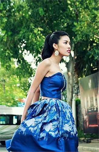 Trong 'Sơn đẹp trai' Lan Khuê thủ vai là một nữ ca sỹ nổi tiếng Trang Nhi.
