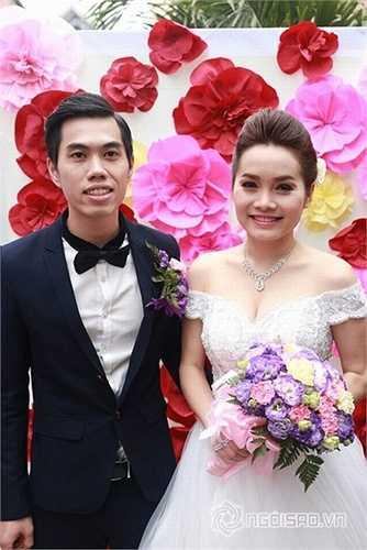 Trong quá trình chuẩn bị cho 'Sao Mai 2012' với sự giới thiệu của nhạc sĩ Hồ Hoài Anh, Đoàn Thuý Trang tìm đến êkíp của nhạc sĩ Thanh Hà và Thanh Bình.