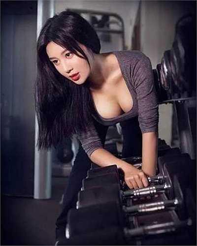 Sau khi nổi tiếng trên mạng, hình ảnh của Fan Ling lại càng 'phủ sóng' rộng rãi hơn.