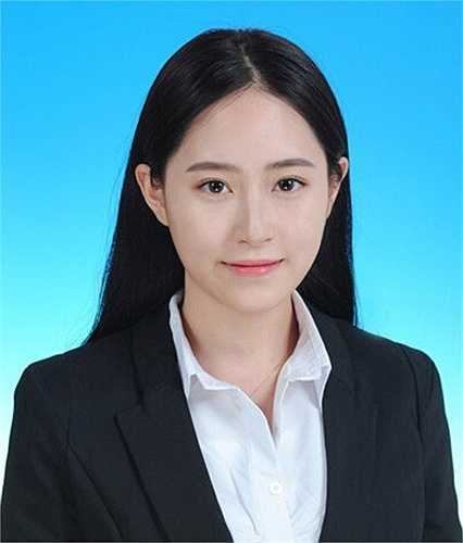 Cô được ca ngợi nhờ vẻ đẹp vừa trong sáng lại hiện đại. Ngoài ra, thành tích học tập của Trần Tử Mi cũng hết sức ấn tượng.