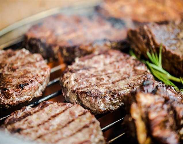 Ướp thịt với bia tốt hơn: Một nghiên cứu tìm ra khi ướp thịt trong bia làm giảm các chất gây ung thư trong thịt nướng như PAHs giảm 53%, Pilsner không cồn 25 % và Pilsner 13 %.