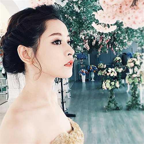 Hot girl Chi Pu hóa thân thành nàng 'công chúa' xinh đẹp