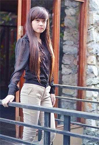 Nữ xinh đẹp, tài năng này là Nguyễn Phương Hoa, sinh năm 1995, đến từ Quang Trung - Thái nguyên.