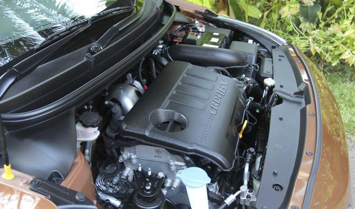 Động cơ CRDi 1.4l với công suất 89bhp êm ái, tinh tế với tốc độ vòng quay khác với các động cơ diesel thông thường.