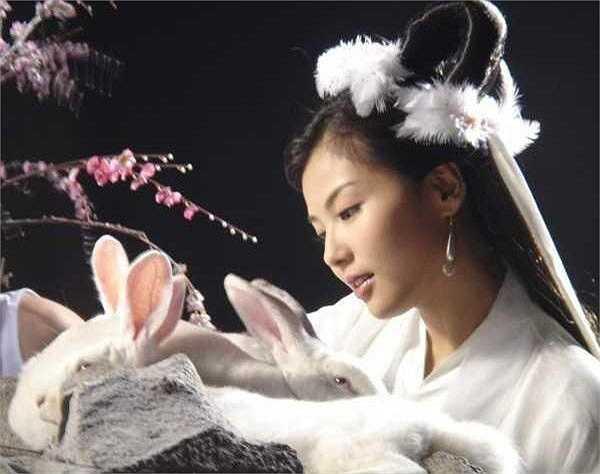 Lưu Đào hóa thân thành Hằng Nga tiên tử trong bộ phim truyền hình Phong thần bảng.