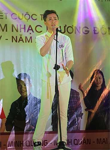 Trần Duy Anh  với 'Tắt đèn'