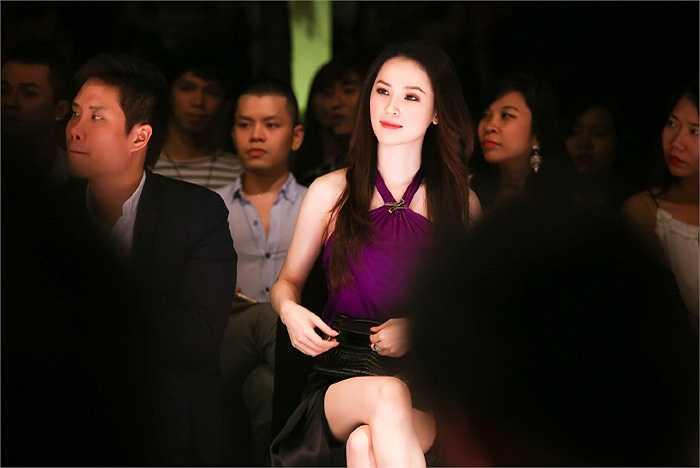 Xuất hiện trong sự kiện thời trang diễn ra tối 26/3 tại TP.HCM, Á hậu Thái Như Ngọc khoe vẻ xinh đẹp, quyến rũ.