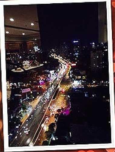 Có thể thấy, căn hộ Hoàng Thùy Linh sở hữu ở trên tầng cao của một chung cư cao cấp với view đẹp.