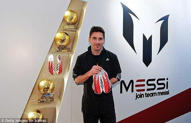 Và tổng cộng, 'Cầu thủ xuất sắc nhất hành tinh' thực lãnh 47,8 triệu Bảng/năm, tính ra khoảng 1 triệu Bảng/tuần.