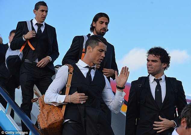 Hình ảnh của Ronaldo luôn hào nhoáng, bóng bẩy với hàng hiệu 'tận răng'.