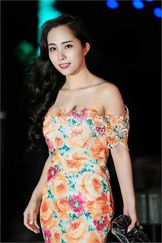 Hậu đám cưới, hai vợ chồng Quỳnh Nga bị một loạt scandal bủa vây.