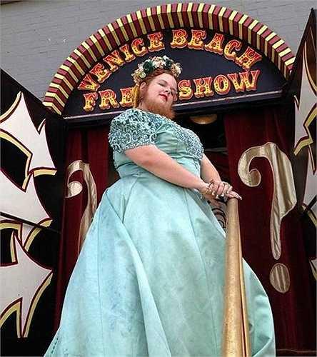 Jessa đã xuất hiện trong show truyền hình Freakshow mùa thứ hai. Đây là chương trình biểu diễn của những người có khả năng kỳ lạ được nhiều khán giả yêu thích.