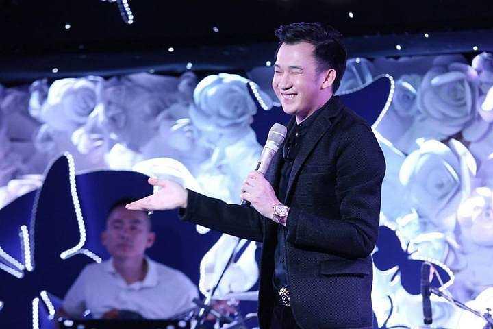 Chính vì thế, quỹ Tình nghệ sỹ đã trích ra 40 triệu đồng để Đàm Vĩnh Hưng sẽ thay mặt ekip đến bệnh viện để gửi số tiền đến nghệ sĩ Hoa Mỹ Hạnh điều trị vượt qua khó khăn.