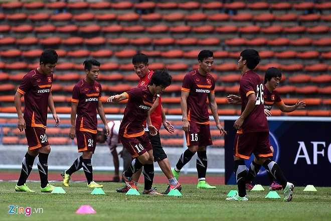HLV Miura thường hay nhắc lại hai trận gặp nhau ở bán kết AFF Cup 2014 mà khi chơi trên đất Malaysia, các tuyển thủ Việt Nam chịu vô vàn sức ép từ trọng tài, sự quá khích trên khán đài vẫn vượt qua áp lực để thắng 2-1.