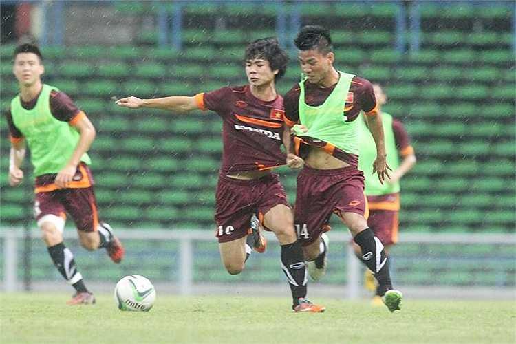 Theo cách tập bố trí đội hình của ông Miura, nhiều khả năng ông sẽ sử dụng đội hình ra sân trận gặp Malaysia với sự góp mặt của bộ ba cầu thủ Tuấn Anh, Công Phượng, Văn Toàn.