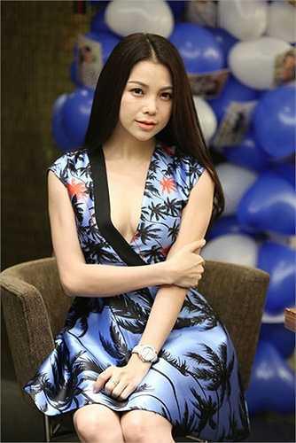 Người đẹp Trà Ngọc Hằng