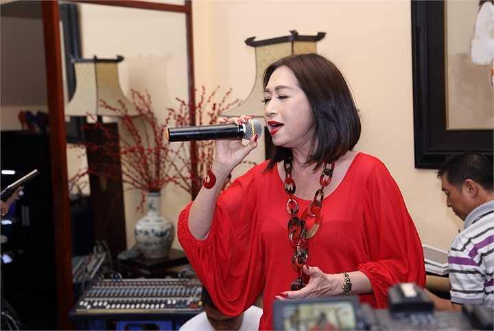 Trong đêm nhạc, Ý Lan và 2 khách mời Quang Linh - Xuân Phú sẽ mang đến cho người yêu nhạc một trải nghiệm âm nhạc đặc biệt về 2 nhạc sĩ tài hoa này