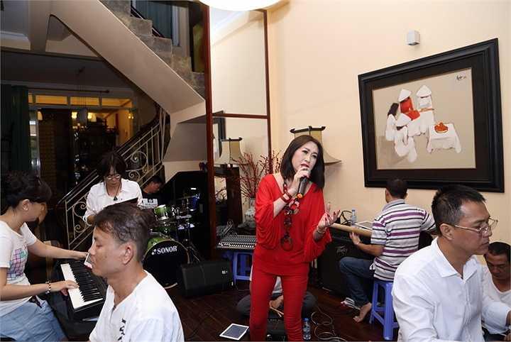 Đêm nhạc Phạm Duy – Pham Đình Chường sẽ diễn ra vào lúc 20h ngày 28/3/2015 và được truyền hình trực tiếp trên VTV9, VTV Huế, VTV Phú Yên, Đài PTTH Đà Nẵng, Đài PTTH Lâm Đồng