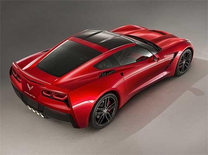 Stingray đã kết hợp nhiều đặc điểm của Corvette trong 60 năm lịch sử với thiết kế của một xe thể thao hiện đại.