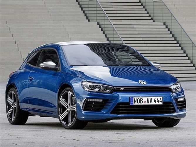 10. Volkswagen Scirocco    Dựa trên mẫu Volkswagen GTI từng nhận được nhiều lời khen, chiếc Scirocco cũng tạo nên nhiều hiệu ứng tích cực.