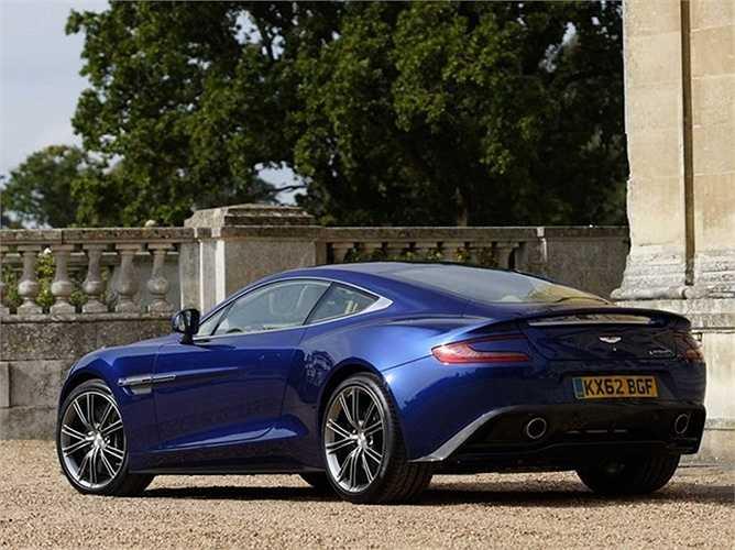 Vẻ đẹp hài hòa giữa yếu tố hiện đại và cổ điển trong cùng một thiết kế Aston Martin Vanquish.