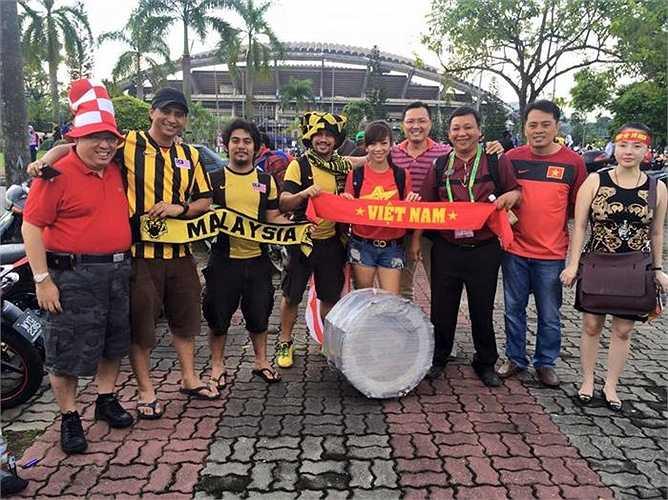 Hòa giải mâu thuẫn trong quá khứ với các CD)V Malaysia.