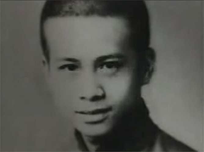 Tỷ phú Li Ka-sing đến Hongkong sinh sống cùng gia đình từ năm 1941.