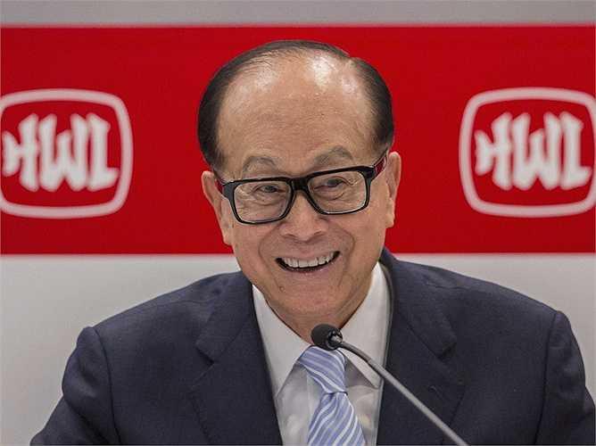 Hiện ông là người đàn ông giàu nhất châu Á và đứng thứ 20 trong số những người giàu nhất thế giới