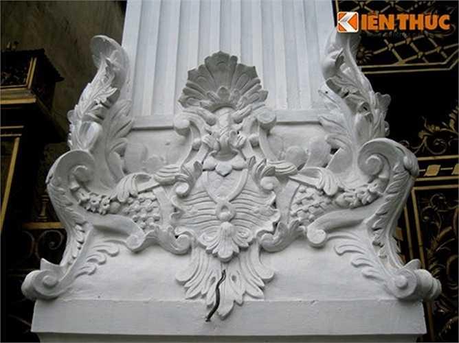 Hoa văn lá nguyệt quế cách điệu - mô típ thường thấy trong trang trí nhà kiểu Pháp cổ điển.