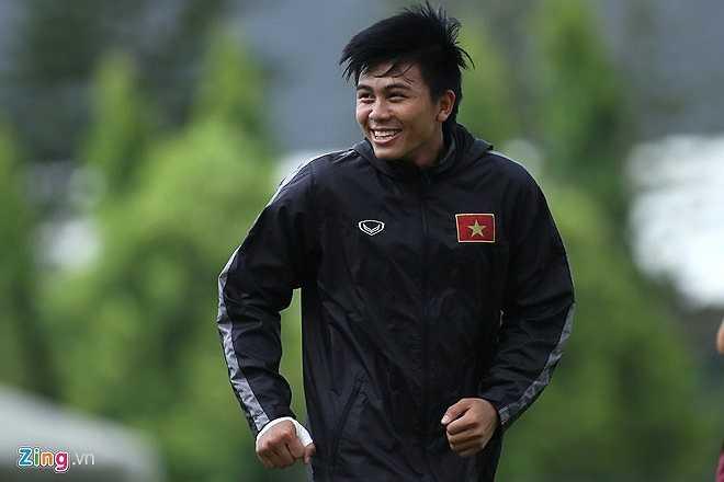 Nhiều khả năng, ở trận gặp U23 Nhật Bản, Mạnh Hùng sẽ được kéo vào đá trung vệ thay cho Tiến Dũng