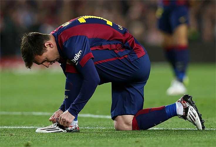 Chiếc giày này cũng đã được Messi sử dụng trong trận Siêu kinh điển mới đây.