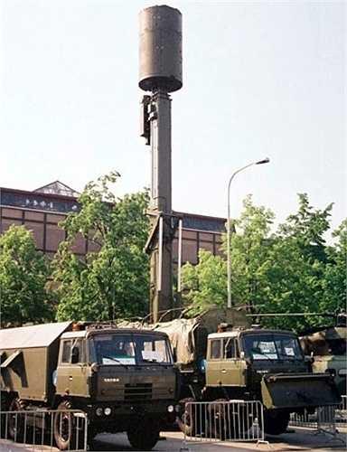 Vera-E là loại radar thụ động hoạt động trên nguyên lý không phát mà chỉ thu tín hiệu của sóng điện từ trong một môi trường không gian đồng nhất. Loại radar này hoạt động tương tự hệ thống Kolchuga của Ukraine và là phiên bản cơ động, lắp đặt trên khung gầm xe dòng radar thụ động Tamara cũng của Cộng hòa Czech chế tạo.