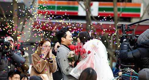 Viên Vịnh Nghi và Trương Trí Lâm xuất hiện trong chương trình thực tế.