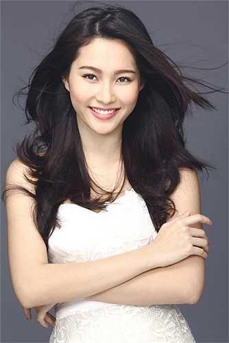 Cô được ca tụng là một trong những Hoa hậu Việt Nam sở hữu nhan sắc rạng rỡ, hoàn hảo nhất.