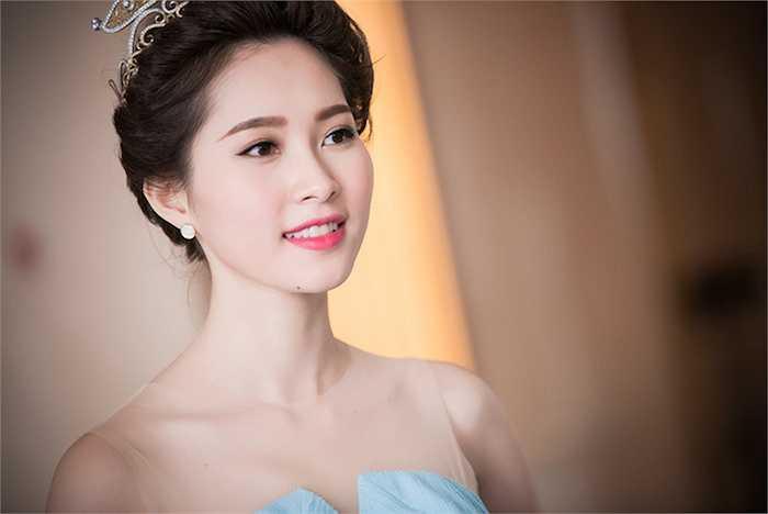 Đặng Thu Thảo đã đăng quang được 2 năm. Cô giữ được hình tượng đẹp trong lòng công chúng khi luôn xuất hiện nhẹ nhàng, có đời tư trong sạch, 'nói không' với scandal.