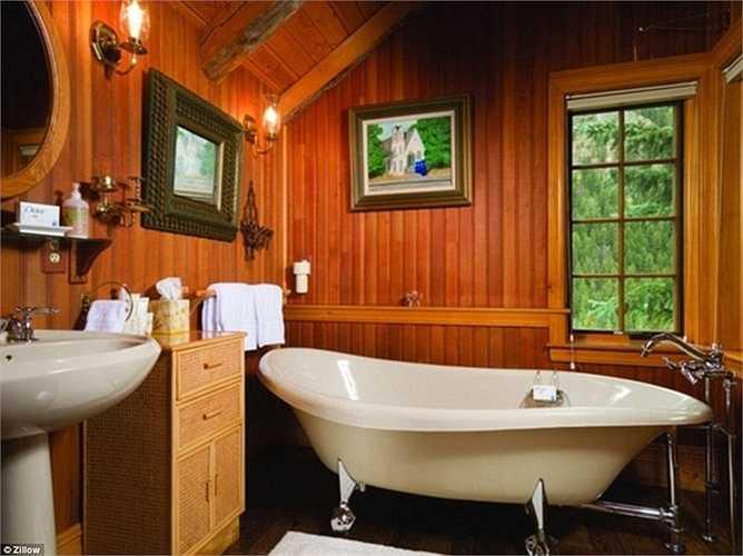 Bồn tắm hiện đại và sạch sẽ