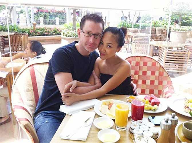 Đoan Trang hạnh phúc viên mãn bên chồng tây khi người đàn ông ngoại quốc không chỉ yêu thương cô hết mực, mà còn sở hữu gia tài đáng mơ ước.