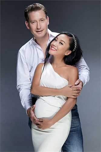 Không chỉ yêu thương vợ hết mực, ông xã Đoan Trang còn là chỗ dựa vững chắc cho cô về kinh tế.