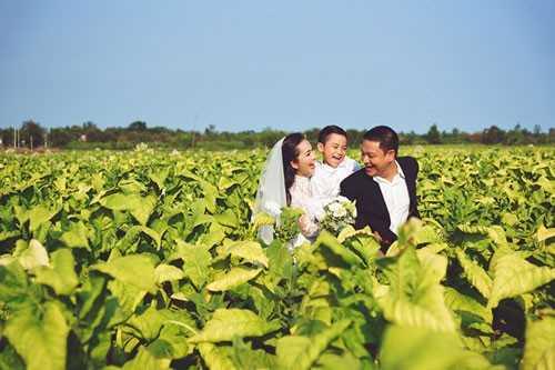 Kim Hiền cho biết chồng cô coi Sonic - con trai riêng của Kim Hiền và chồng cũ - như con đẻ của mình.
