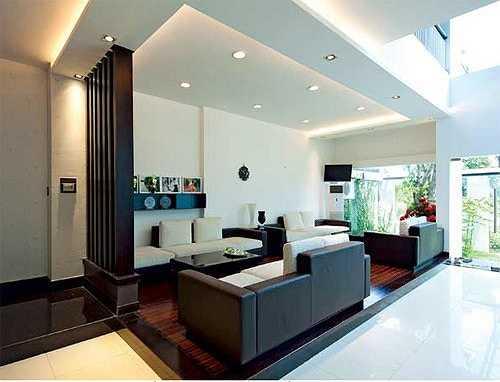 Biệt thự của vợ chồng Hồ Ngọc Hà - Cường Đô la nằm ở quận 7, TP.HCM. Nó được xây dựng khi nữ ca sỹ mang bầu bé Subeo.