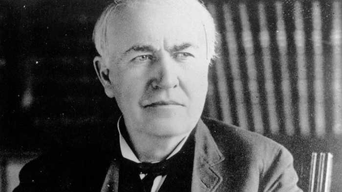 4. Thomas Edison: Nhà phát minh nổi tiếng là người luôn theo những chế độ ăn kiêng nhất thời. Có một thời điểm, Edison chỉ uống đúng lon sữa trong nhiều giờ đồng hồ.