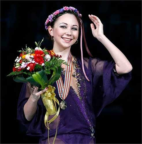 Với tổng số điểm 210,36 sau hai nội dung bài thi ngắn và biểu diễn tự do, Elizaveta Tuktamysheva trở thành nhà vô địch trượt băng nữ thế giới.